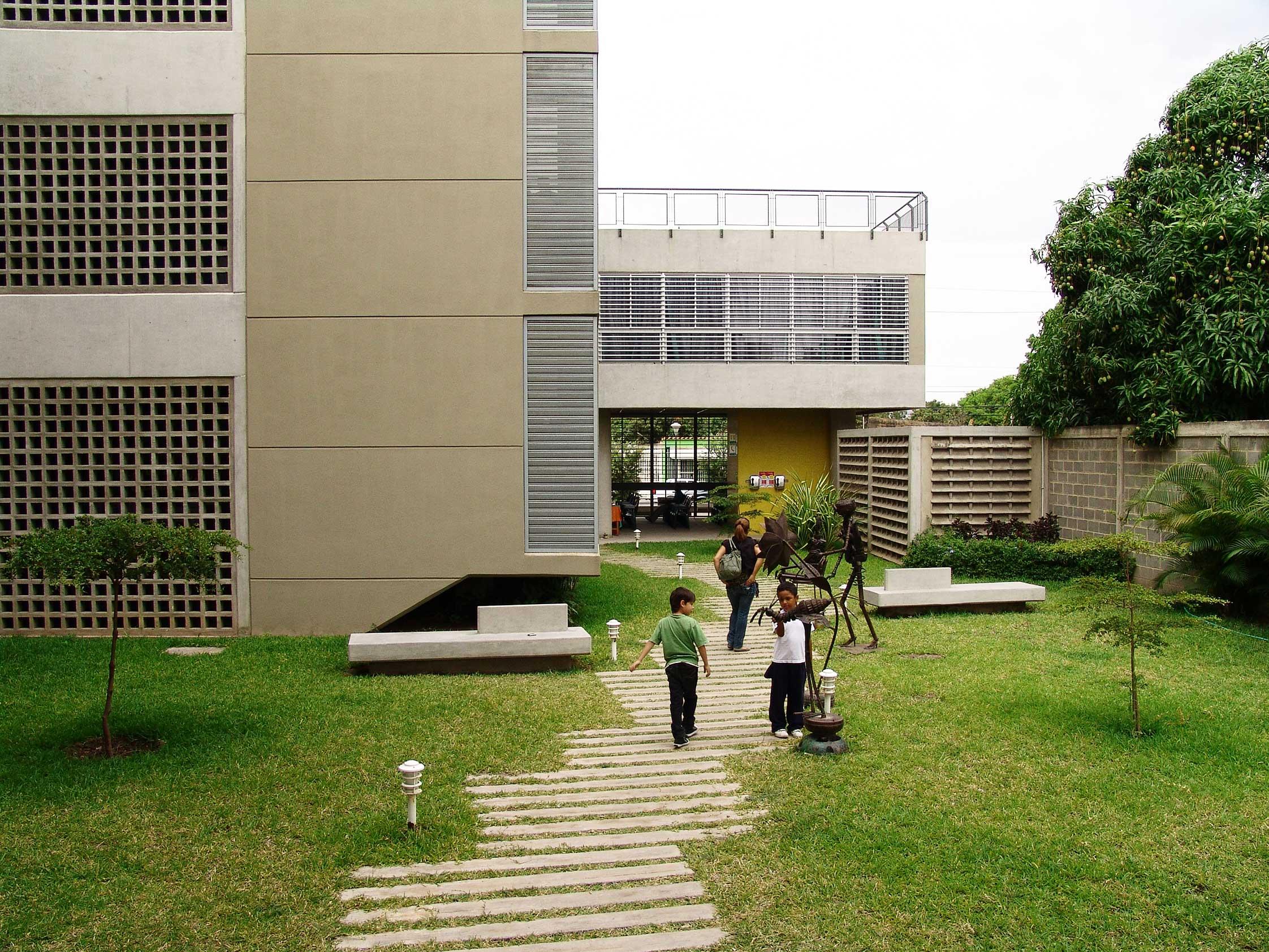 Centro integral cooperativo de salud yuso for Centro de salud ciudad jardin