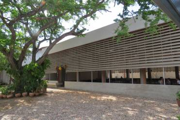 Edificio Reuniones - Fachada este